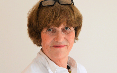 Dr. Eva Huening (German Board Certified)