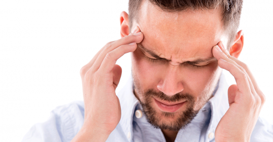 Migraine, a woman's disease? Not at all! Men just don't go to the doctor…even if they should